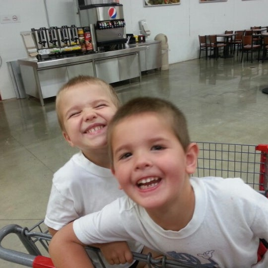 Photo taken at BJ's Wholesale Club by Joey B. on 8/19/2012