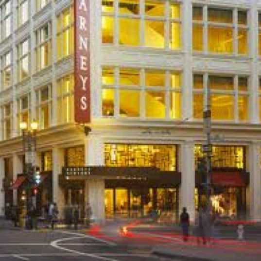 Photo taken at Barneys New York by '/\/\!zz_$|-|@' ™ .. on 2/6/2011