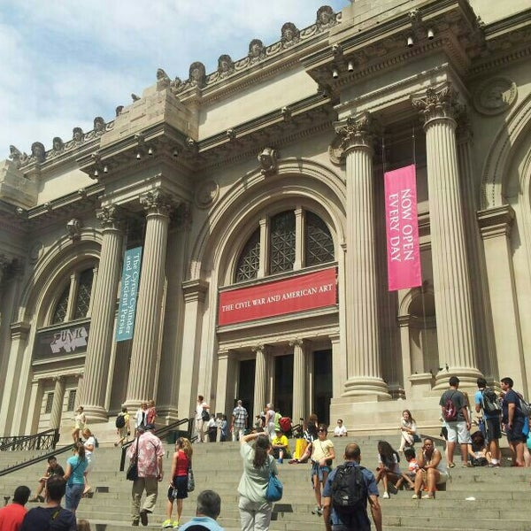 Photo taken at The Metropolitan Museum of Art by Winnie C. on 7/21/2013