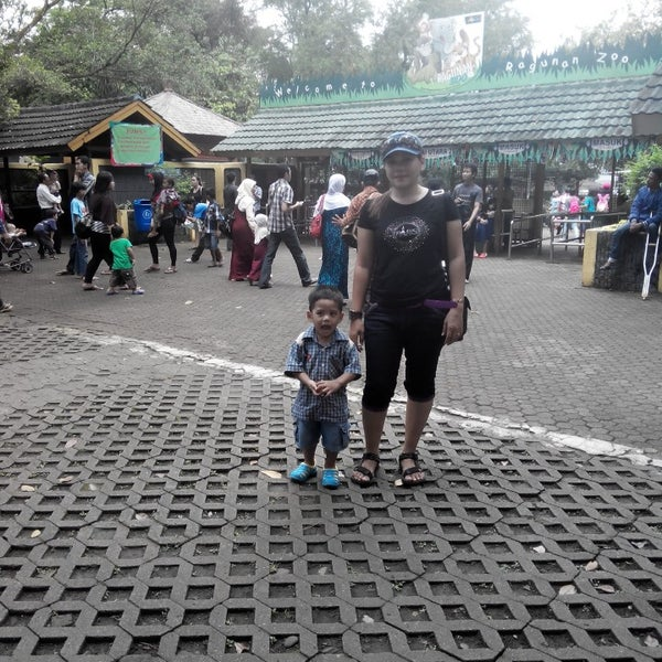 Photo taken at Kebun Binatang Ragunan by S Vera H. on 3/23/2014
