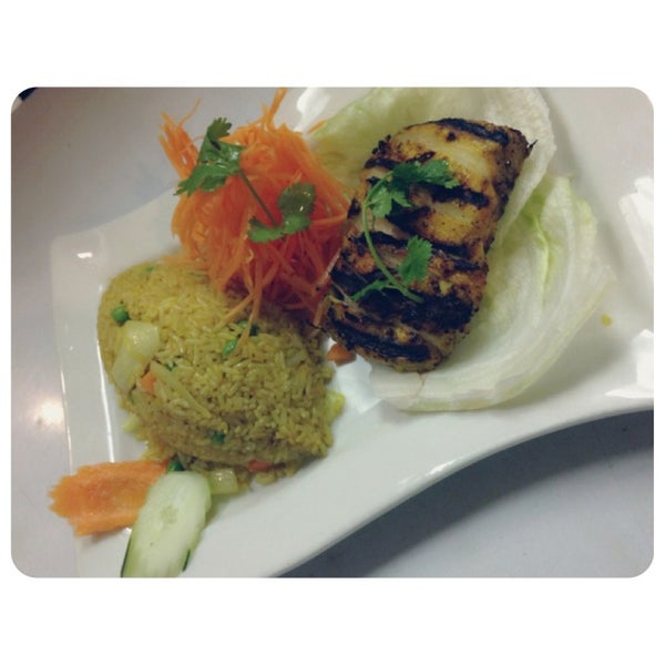 Photo taken at Yajai Thai Restaurant by Tarat B. on 9/7/2013