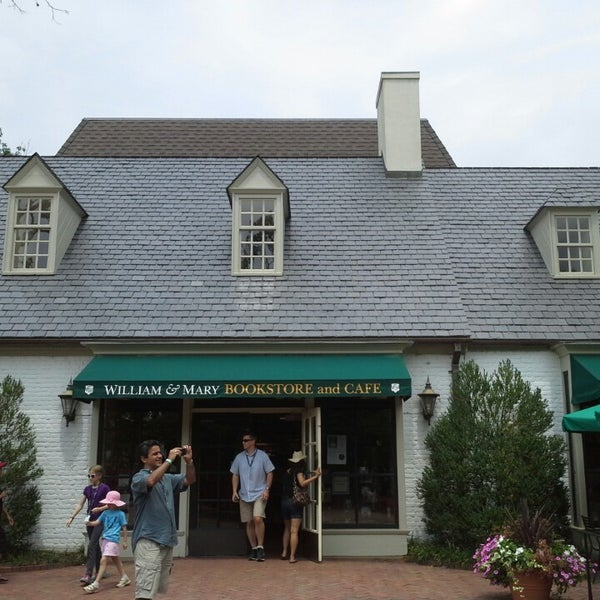 Photo taken at College of William & Mary Bookstore by Aaron B. on 7/31/2013