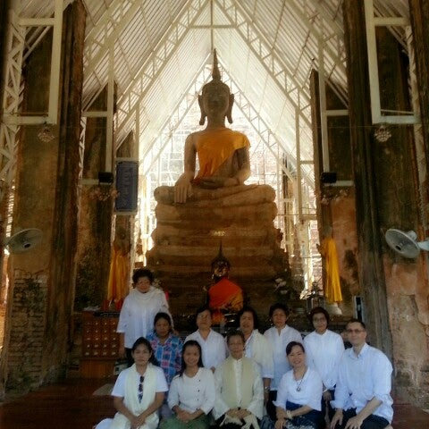 Photo taken at วัดโพธิ์ประทับช้าง by Jai K. on 11/3/2013