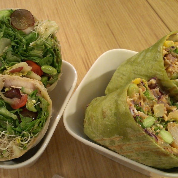 Slightly more expensive than any other salad place. Similiar style of wraps with Simply Wrapps in Raffles city. But I would prefer simply wrapps though :p