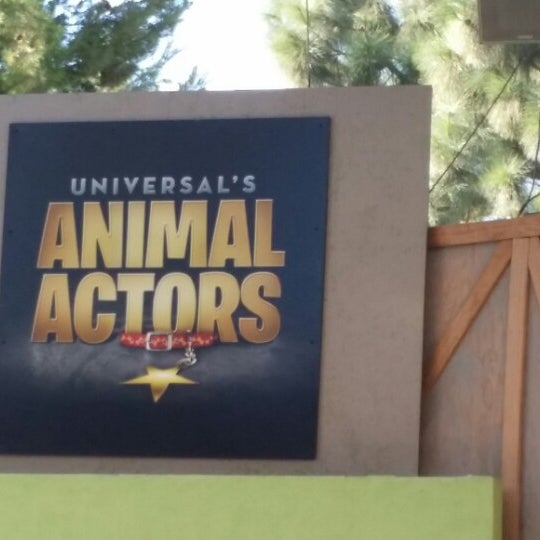 Photo taken at Universal's Animal Actors by Mohammed G. on 10/5/2014