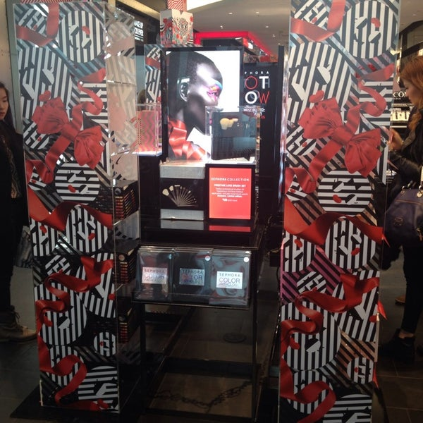 Photo taken at Sephora - Soho by Victoria K. on 12/22/2013