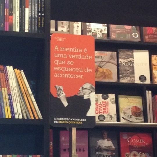 Photo taken at Livraria da Vila by Deise Y. on 11/20/2012