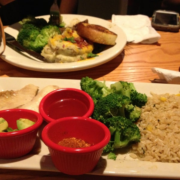 Photo taken at Chili's Grill & Bar by Christine S. on 8/6/2013
