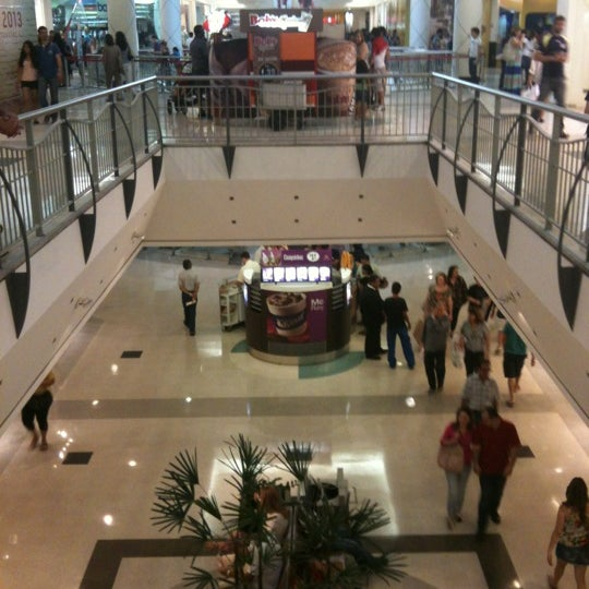 Photo taken at Shopping Recife by Sergio on 9/29/2012