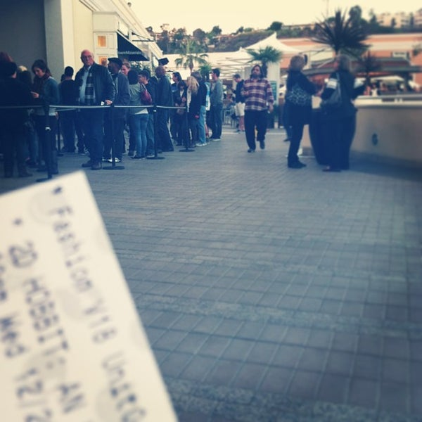 Photo taken at AMC Fashion Valley 18 by Chachie M. on 12/27/2012