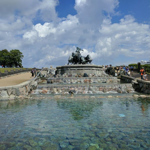 Photo taken at Gefionspringvandet (Gefion Fountain) by Carlos M. R. on 8/4/2016