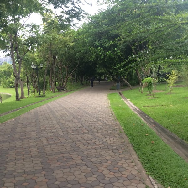 Photo taken at Queen Sirikit Park by Pete on 9/10/2016