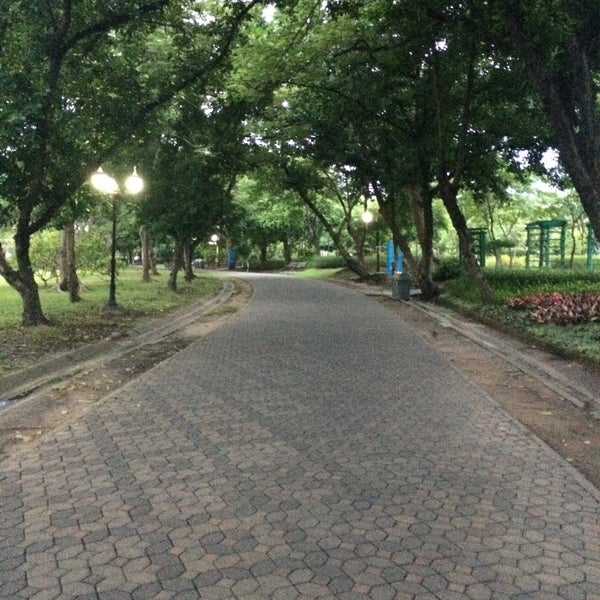 Photo taken at Queen Sirikit Park by Pete on 10/8/2016