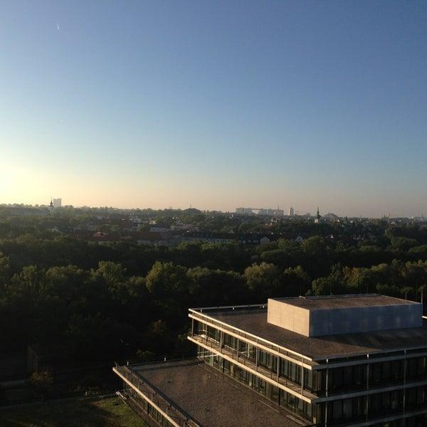 Photo taken at Hilton Munich Park by Ilja G. on 9/6/2013