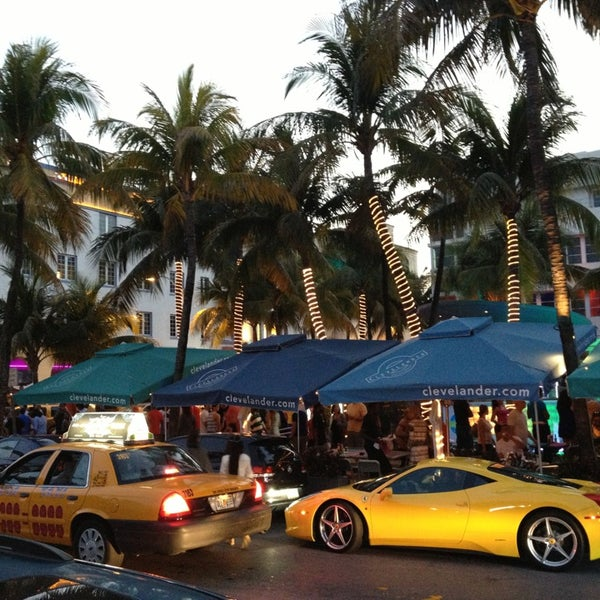 Photo taken at Clevelander by Cesar S. on 3/31/2013