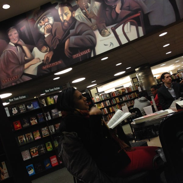 Photo taken at Barnes & Noble by joseph n. on 2/28/2014