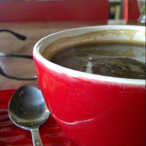 Photo taken at JAVA BEAN Coffee & Resto by triman d'Japra on 8/25/2013