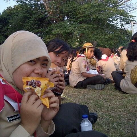 Photo taken at SMA Negeri 4 Semarang by Annisa Jihan S. on 9/20/2013