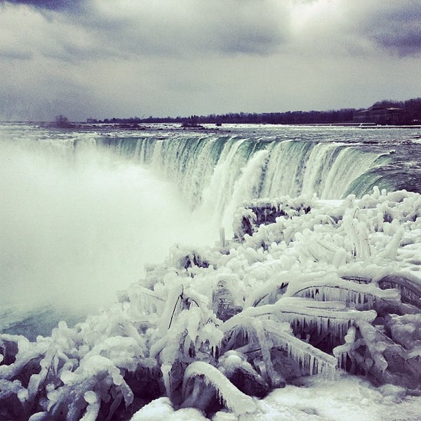Where's Good? Holiday and vacation recommendations for Niagara Falls, Canada. What's good to see, when's good to go and how's best to get there.