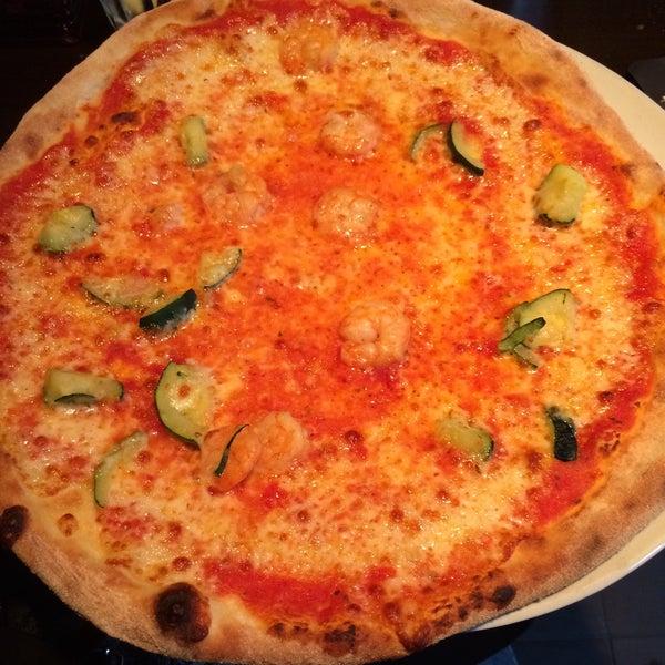 Photo taken at Very Italian Pizza by Maha I. on 8/31/2015