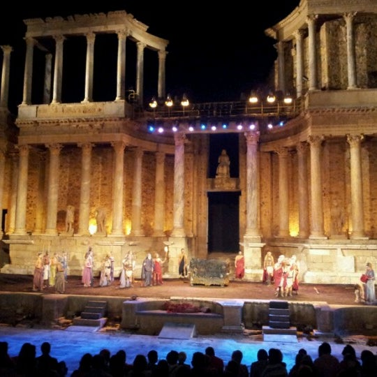 Photo taken at Anfiteatro Romano by Luis L. on 8/25/2012