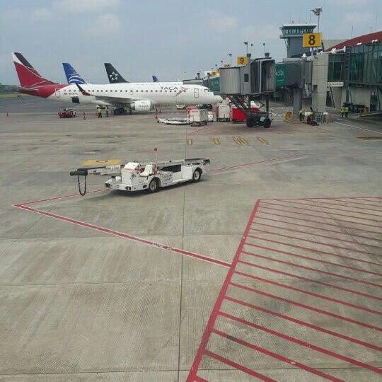 Photo taken at Gate 5 Aeropuerto Internacional Juan Santamaria by Antonio C. on 9/19/2015