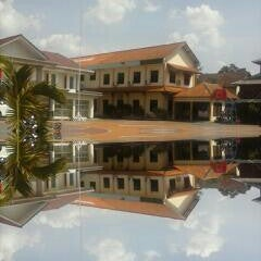 Photo taken at SMA Negeri 4 Semarang by Aldila L. on 11/1/2013