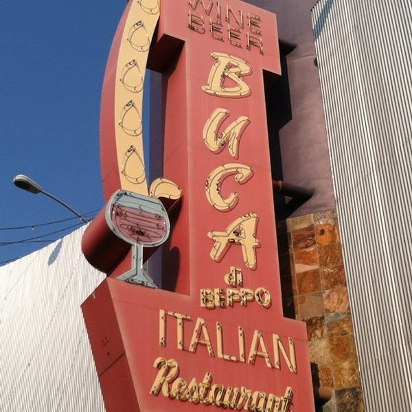 Photo taken at Buca di Beppo Italian Restaurant by Paul G. on 6/30/2013
