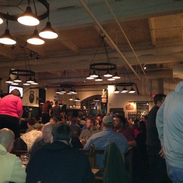Photo taken at Hofbräuhaus Newport by Thomas G. on 2/16/2013