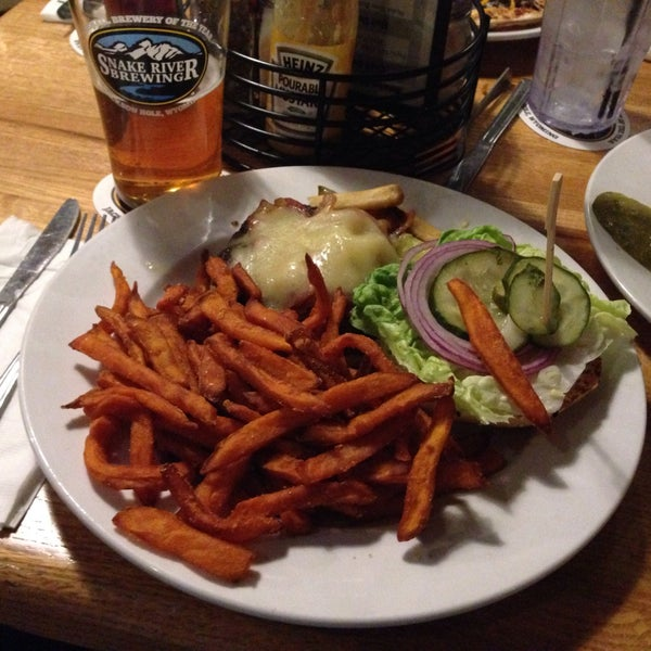 Photo taken at Snake River Brewery & Restaurant by Bradley M. on 12/30/2014