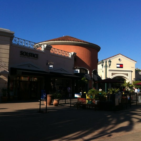 Photo taken at Carlsbad Premium Outlets by Lucas Henrique L. on 9/15/2012