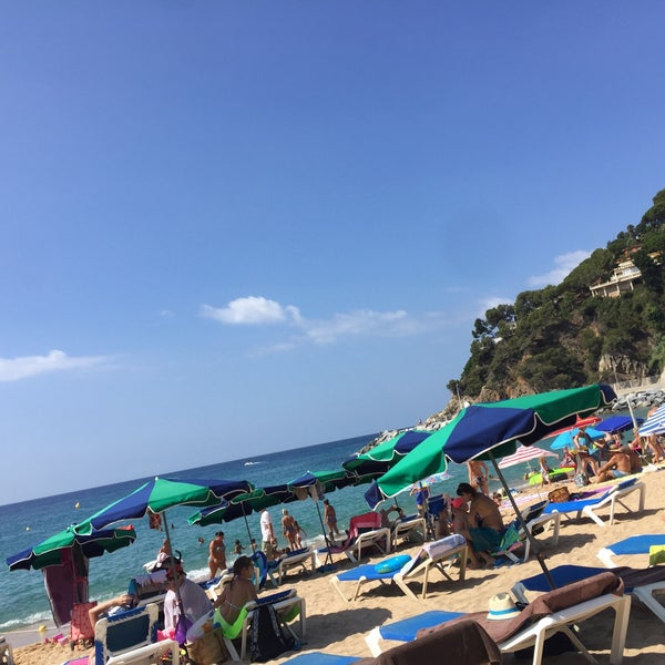 Photo taken at Cala Canyelles by Владимир И. on 8/2/2016