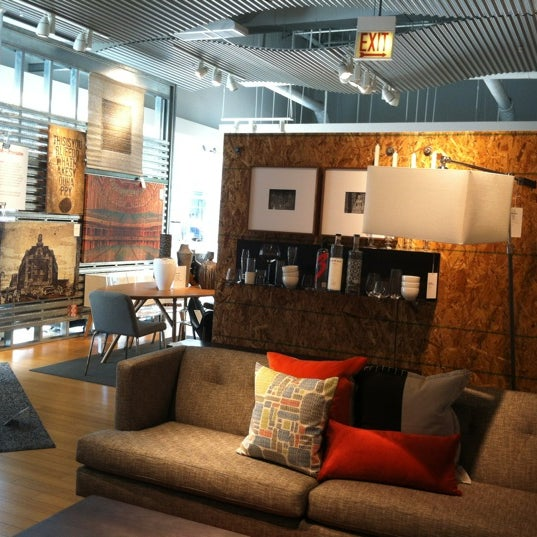 Furniture Home Stores: Furniture / Home Store In North Side