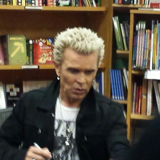 Photo taken at Changing Hands Bookstore by Brian H. on 10/14/2014
