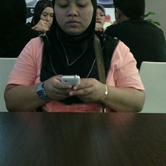 Photo taken at Secret Recipe by Nurezradina F. on 3/1/2014