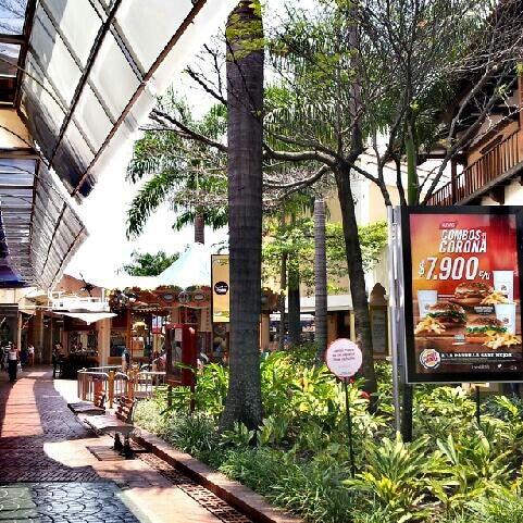 Centro comercial jard n plaza cali valle del cauca for Bodytech cali jardin plaza
