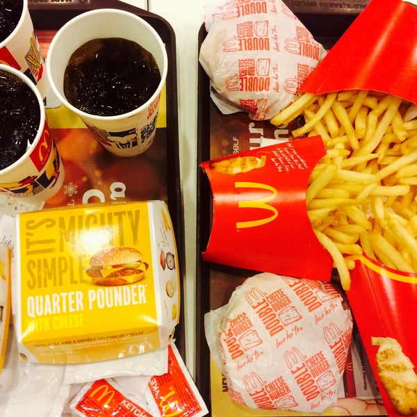Photo taken at McDonald's by Francis James Y. on 2/27/2015