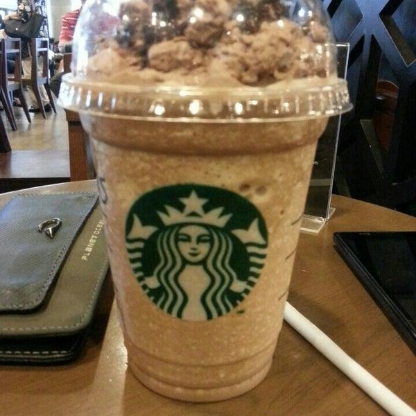 Photo taken at Starbucks by Haunz on 9/12/2015
