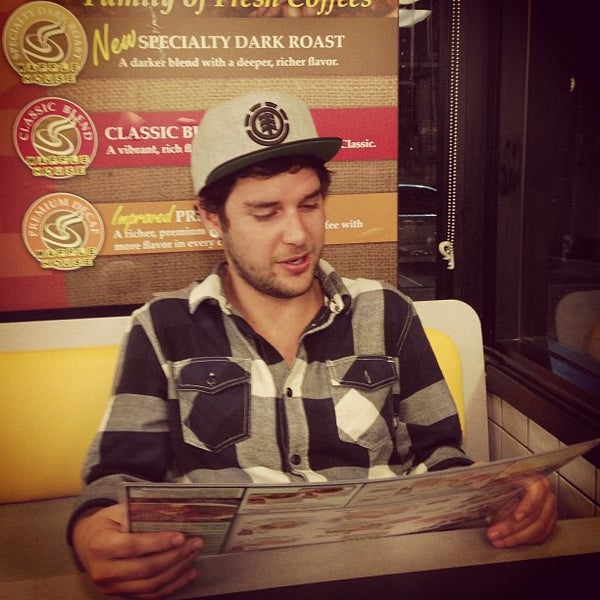 Photo taken at Waffle House by Jaeger 🚀 A. on 3/23/2013