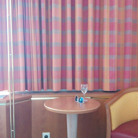 Photo taken at Steigenberger Airport Hotel by Elena K. on 6/21/2016