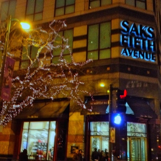 Saks Fifth Avenue Store: Saks Fifth Avenue