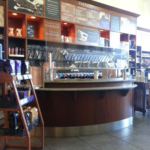 Photo taken at Peet's Coffee & Tea by Arnold T. on 4/19/2013