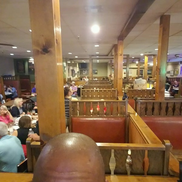 Photo taken at G & D Pizzaria by Michael G. on 9/23/2016