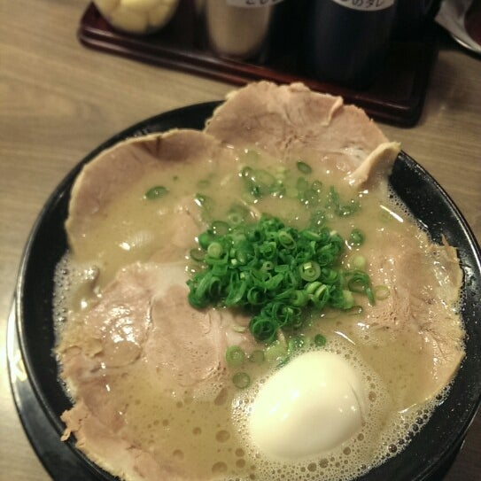 Photo taken at 博多 一幸舎 博多デイトス店 by ナンボク 0. on 4/12/2015