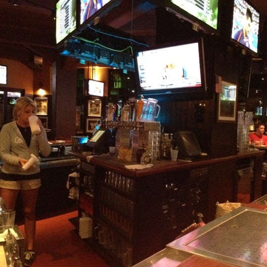 Photo taken at Cask 'n Flagon by Rob H. on 9/7/2012