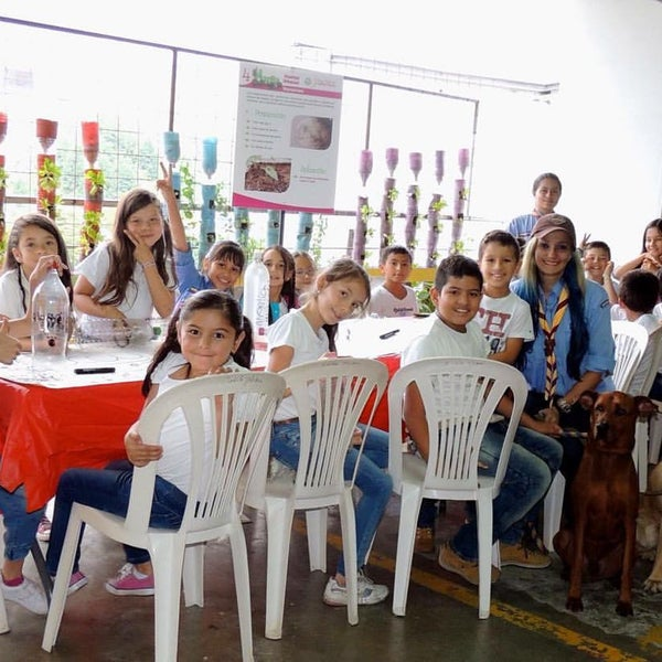 Photo taken at Centro Comercial Cable Plaza by MARIA AZUL E. on 9/4/2016