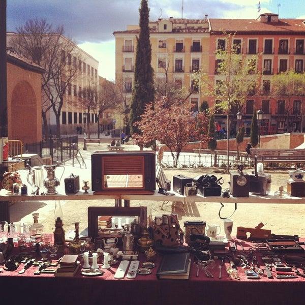 Photo taken at Plaza del Dos de Mayo by Tendenciastv on 4/6/2013