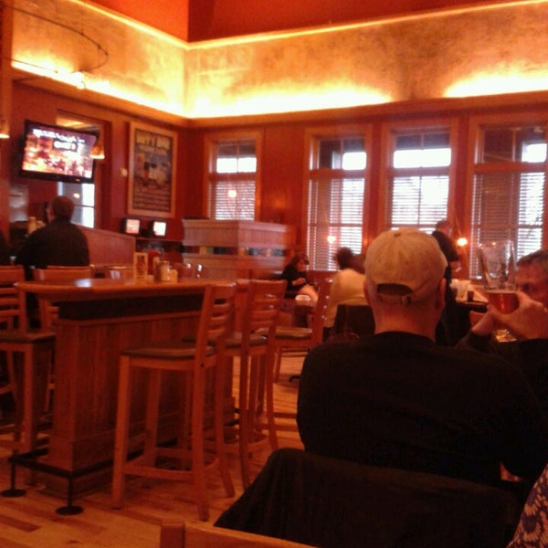 Photo taken at Lazlo's Brewery & Grill by tomhere on 5/1/2013