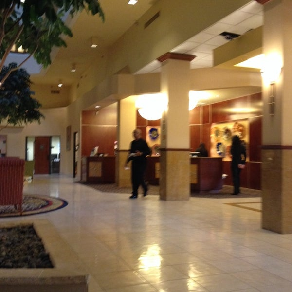Photo taken at Houston Marriott South at Hobby Airport by Barry H. on 4/4/2014