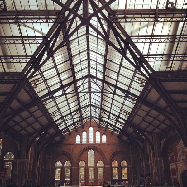 Photo taken at London Liverpool Street Railway Station (ZLS) by MsFong on 10/17/2012